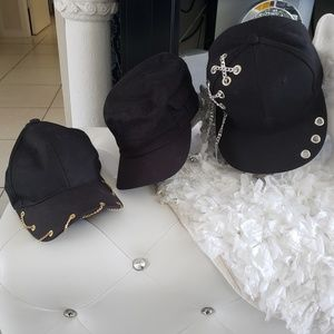 Accessories - 3 black hats